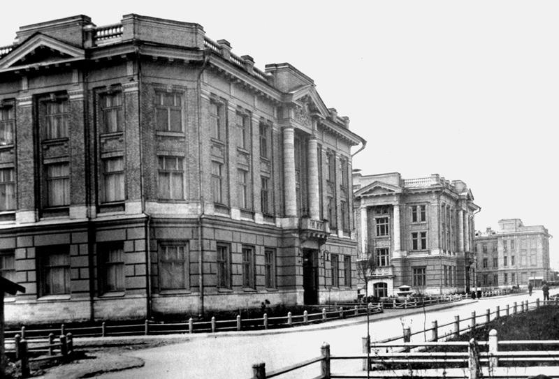 1920 г. Перспектива главной аллеи университетского городка.
